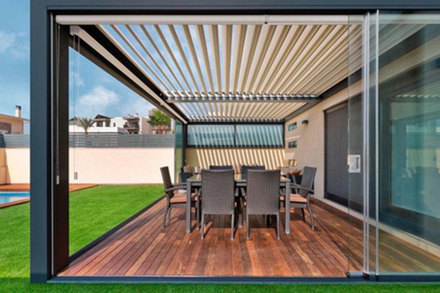 Elige mobiliario y materiales especiales para espacios exteriores